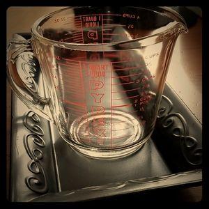 Vintage ☆ Circa 1950 ☆ Pyrex 1 Quart Measuring Cup